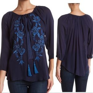 NWT Romeo & Juliet Couture Embroidered Boho Top